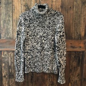Limited, L, Chunky Black, White Cable Knit Sweater